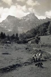 101-Foto  04802 - Wegkreuz hinter dem Hermisegg