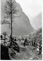 008-Foto  04358 - Alter Landweg Birchi Richtung Dorf  Postkarte