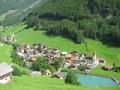 Foto 09764 - Dorf mit See