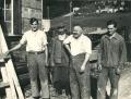 Foto 09224 - Vor der Schreinerei Bissig - v. l. Bissig Ernst , Aschwanden .. , Bissig -Kempf Franz sen , Bissig Franz jun