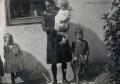 Foto 818 - Frau mit Kindern