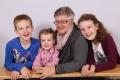 Arnold-Epp Brigitt mit Grosskindern Levi, Jana und Allina, Altdorf