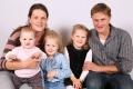 Aschwanden-Walker Franziska und Otto mit Kindern Lorena, Aline, Mia, Isenthal, 1975, 1982, 2012, 2014, 2016