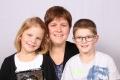 Fedier-Infanger Gerda mit Kindern Elias und Laura, Bristen, 1982