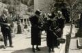 Foto 229 - Auf dem Friedhof bei der Primiz von Hans Aschwanden 1945