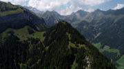 Das bewaldete Horn - Sattel - links Chulm