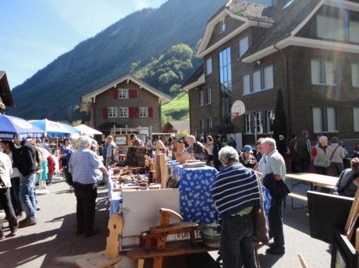 Tagesschau SRF  25.9.2016   Handwerksmarkt und Alpabzug im Isenthal